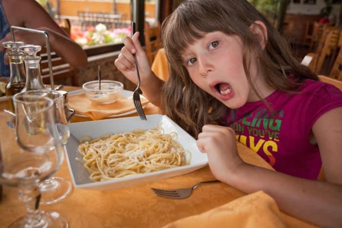 kids eat free pasta