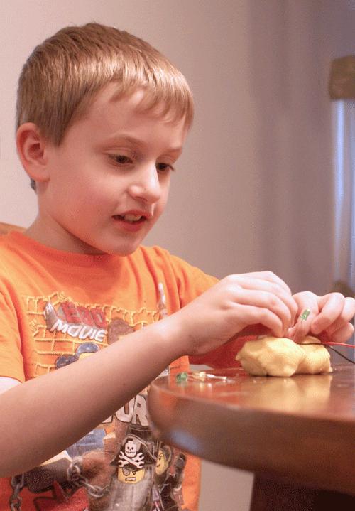 Diy Squishy Dough : Squishy Circuits: Make STEM Fun with Play Dough