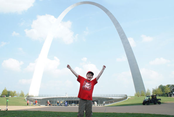 Mitch with the Gateway Arch