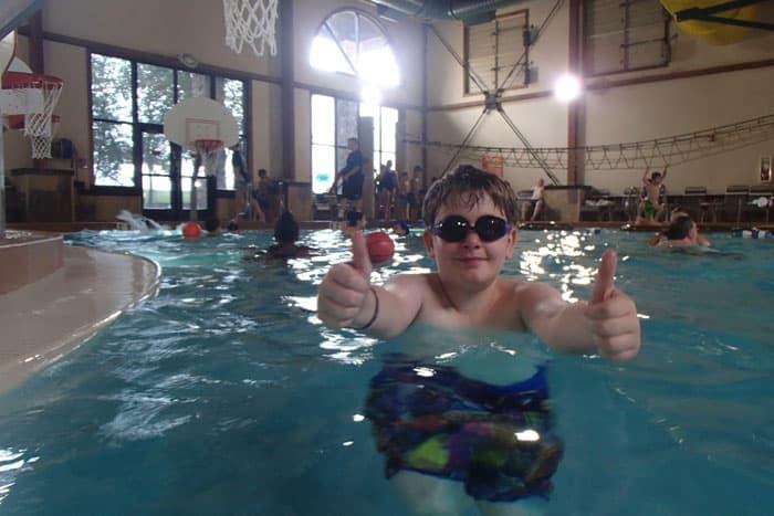 Great Wolf Resort KC water park kid in pool