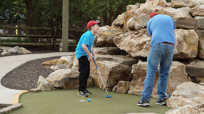 great wolf lodge mini golf