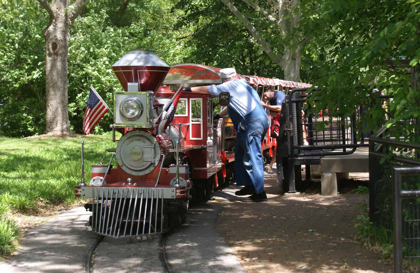mini train at st. louis zoo