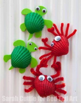 Turtles and crabs made from shells and pipe cleaners.