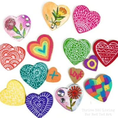 Heart magnets in lots of different colors and designs.