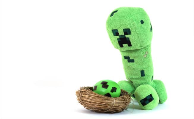 minecraft creeper with an egg