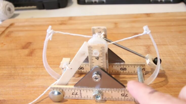 Leonardo da Vinci Mini Catapult
