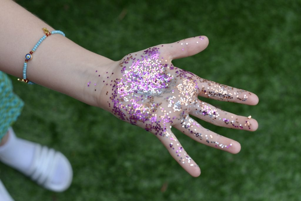use glitter to show germs and how to wash your hands right
