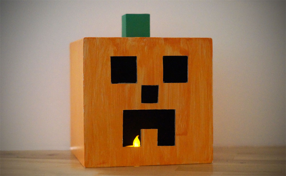 Minecraft pumpkin made from a box